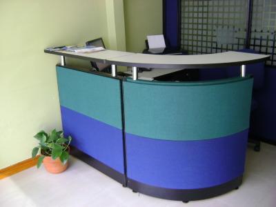Modulos y recepciones cabinas a cop 85000 en for Muebles de oficina kennedy